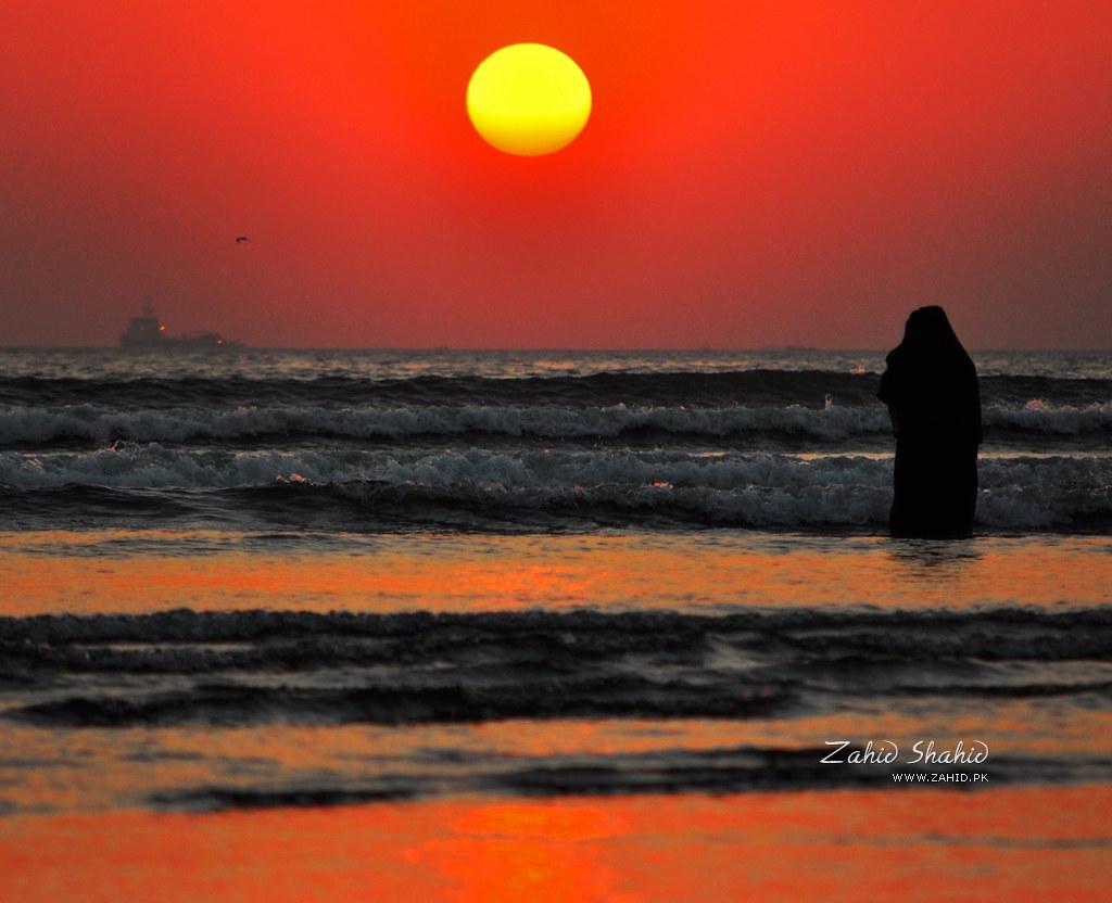 Sunset at Clifton Beach, Karachi | Zahid Shahid | Flickr