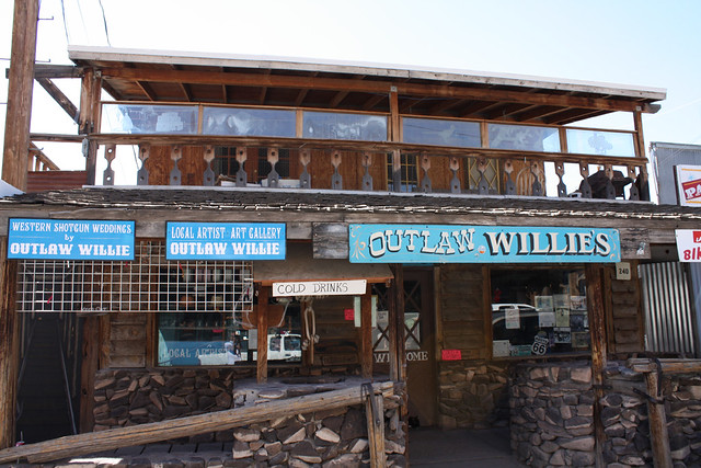 outlaw willie's
