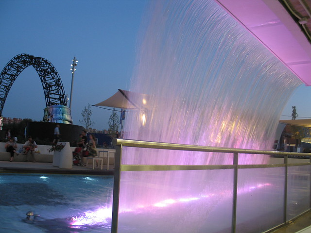 Expo Zaragoza 2008. Juego de luces