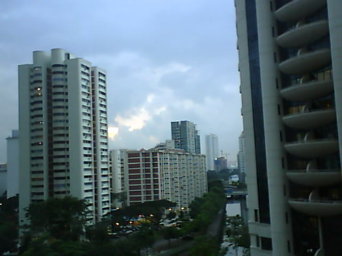 From Internet Camera(singaporeweather.ath.cx:8081)2010/12/21,18:49:55 | by ngotoh