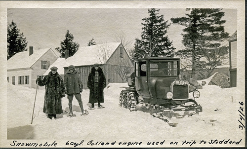 cars country livefreeordie newhampshire nh scenes snowy snow gundersen old shots building cold engine gears greatnorthwoods hiking lakesunapee machine places road tracks whitemountains image picture interesting winter historical bobgundersen newengland landscape robertgundersen people usa photo house scanned flickr bw blackandwhite blackwhite groupshot exterior outside outdoor ©bobgundersen