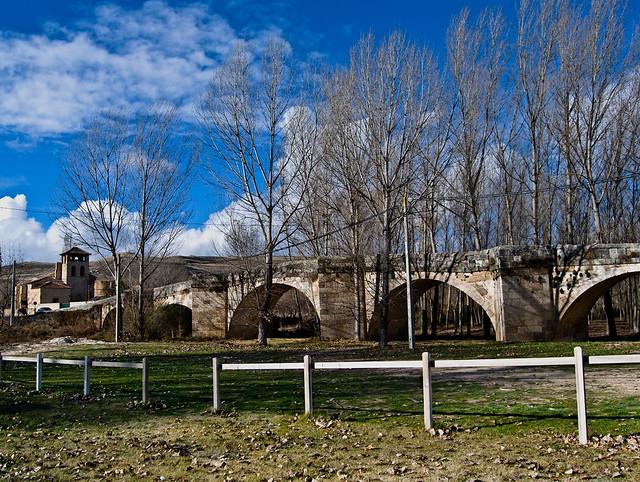 Fuentidueña y el puente medieval