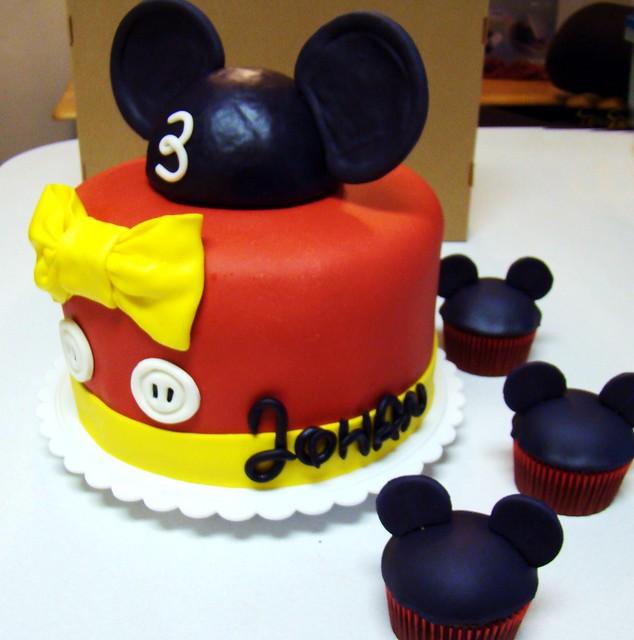 Mickey cake side
