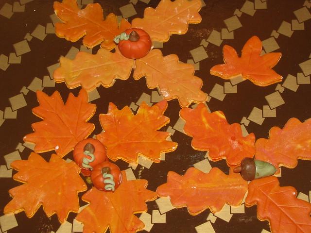 fondant pumpkin,leaf