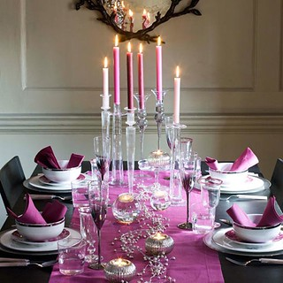 newhouseofart-Romantic-Christmas-Table-Decoration | by Proper Hunt