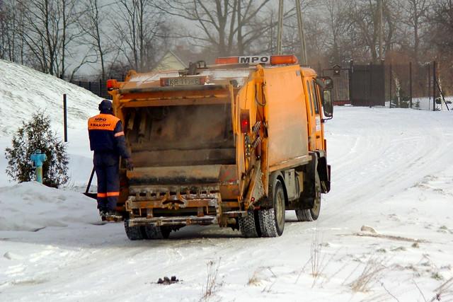 364/365: Garbage truck