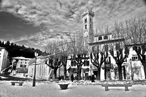 Fiesole - Piazza Mino innevata - HDR