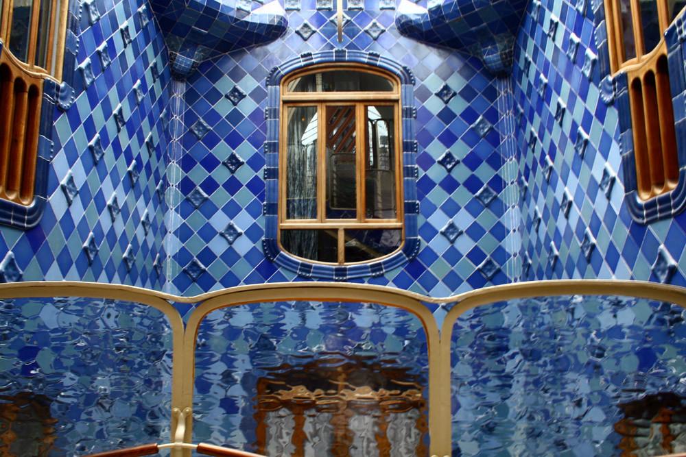 Casa Batlló Barcelona España Detalle Del Patio Interior