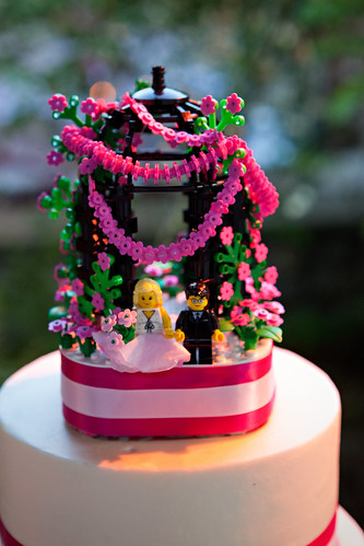LEGO Wedding Cake Topper | I got married May 1, 2010 and cre