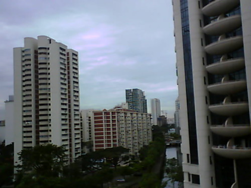 From Internet Camera(singaporeweather.ath.cx:8081)2010/12/18,10:46:34 | by ngotoh
