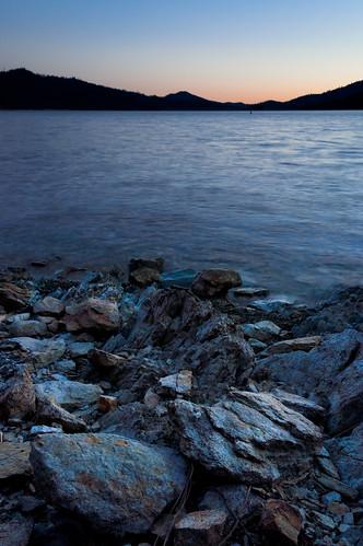 ca sunset water us solitude peaceful simple redding lowwater whiskeytown whiskeytownlake d90 quietude rockyshoreline nohdr nikoncpl induroakb2tripod
