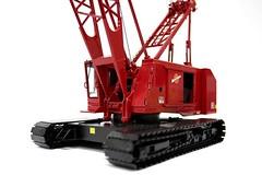TWH Collectibles Manitowoc 4100W Crawler Diecast Model Crane