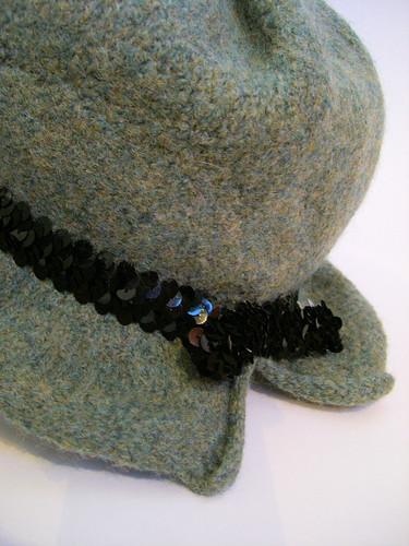 Chapeau cloche feutrée | by helenepiano