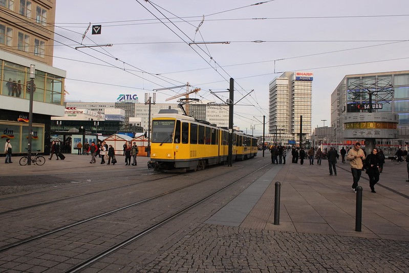 Straßenbahn auf dem Alexanderplatz