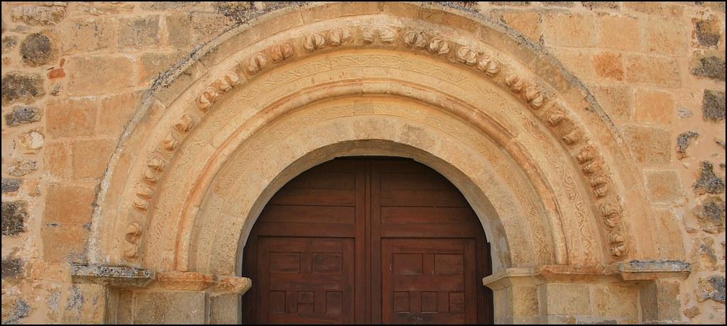 Portada de la ermita de La Soledad.Calatañazor.Soria.
