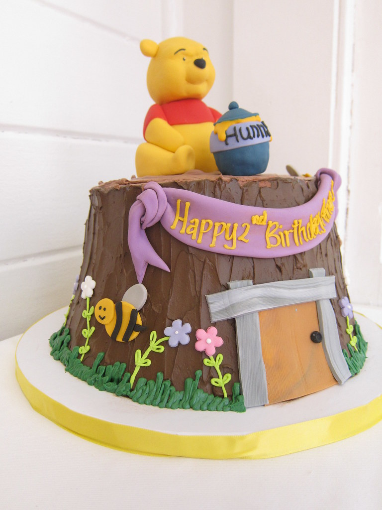 Amazing Winnie The Pooh Birthday Cake Polkadots Olga Flickr Funny Birthday Cards Online Necthendildamsfinfo