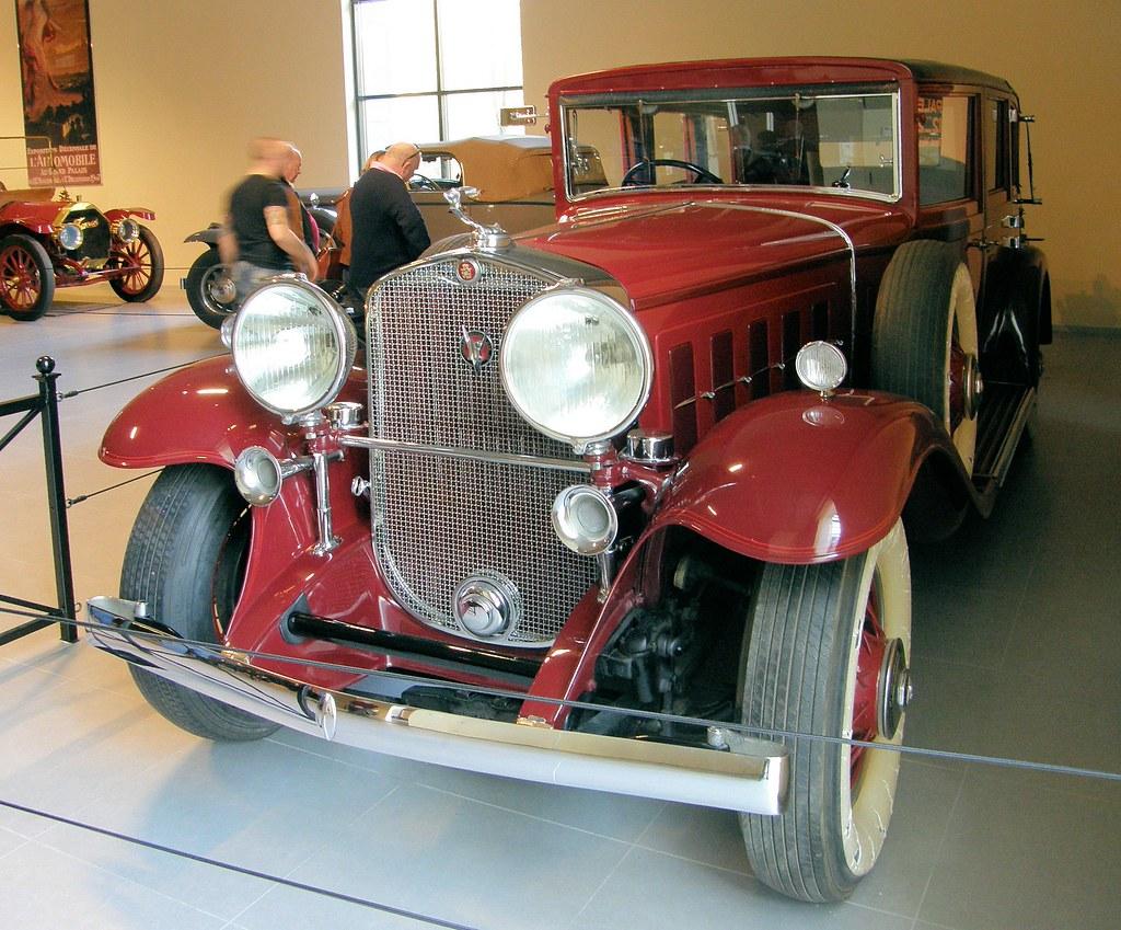 1930 Cadillac V16 Vanden Plas Limousine Landaulette De Lux