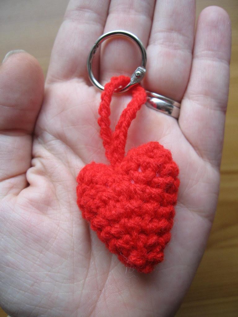Heart Keychain Crochet Tutorial - Pattern Center | 1024x768