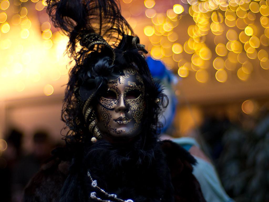 Venezianischer Maskenzauber an der Alster