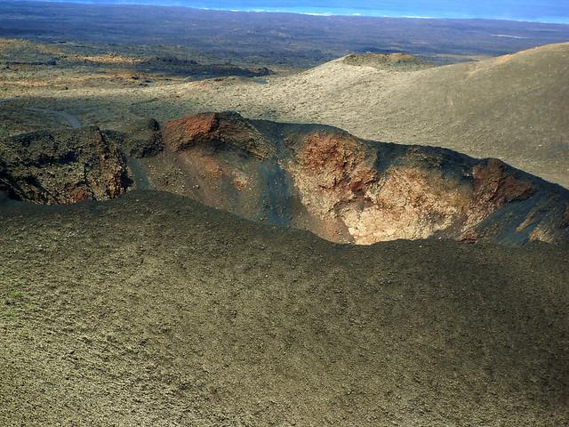 Lanzarote - Im Timanfaya - Montanas del Fuego ,Vulkankrater Corazoncillo,  - 056/7881