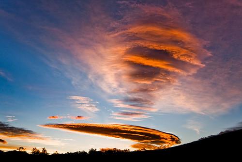 morning sky color strange clouds sunrise hawaii alien odd bigisland shape lenticular bizarre saddle maunakea puuanahulu 2158