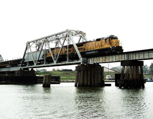 Union Pacific Railroad Bridge over San Jacinto River, Channelview, Texas 0226111425