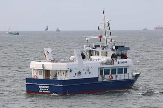 Warnemünde: Feierschiff UNDINE der Seebestattungsreederei Hohe Düne GmbH