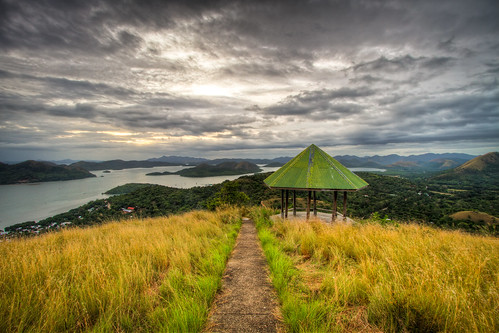 mountain landscape cloudy hut coron hdr palawan 3xp busuanga tapyas