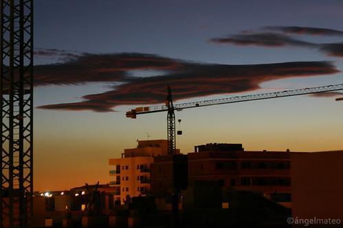 almería andalucía españa spain construcción grúa atardecer nubes ciudad sol especulación ángelmartínmateo elejido ángelmateo