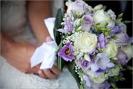 Bouquet Sposa Glicine.Bouquet Lilla Lisianthus Fresie Rose Ocean Rigorosamente Glicine