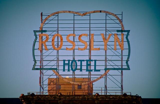 Rosslyn Hotel - scaffold sign