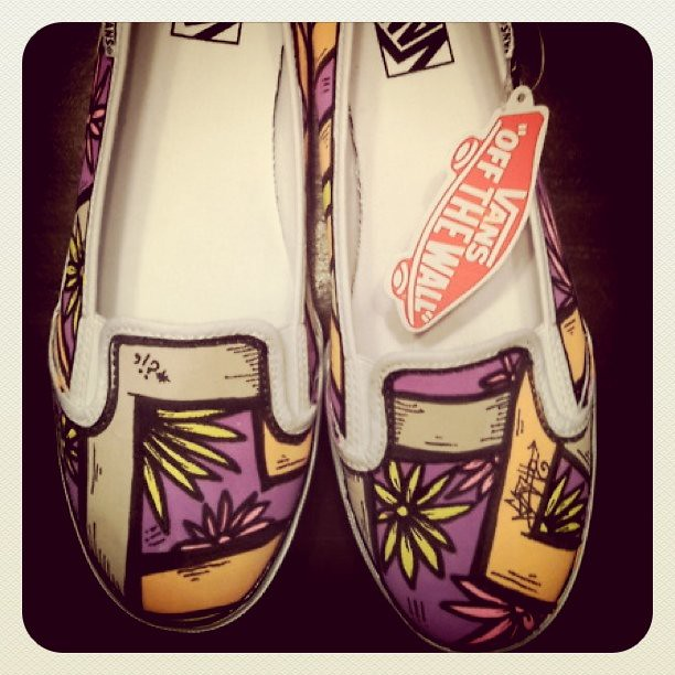 Girl slip on custom SLOTH Vans :) #vans #art #shoes #sloth