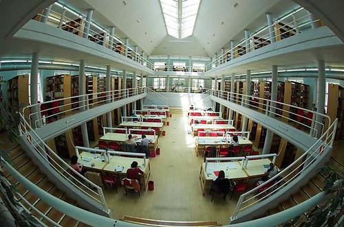 Biblioteca F. Derecho