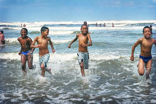 brazilian-nudist-boys-miley-cyrus-cum-on-face-nude-fakes