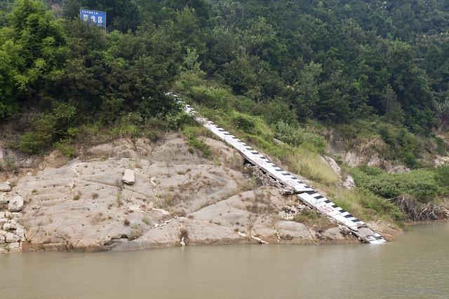 三峡 - 水位到达164米,最高水位可达175米。