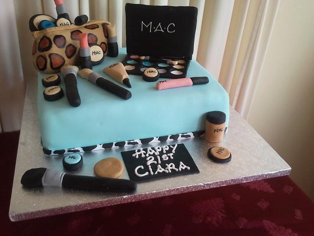 Mac Makeup 21st cake