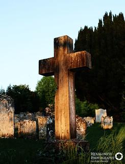 112/365 Weathered Cross | by Hexagoneye Photography