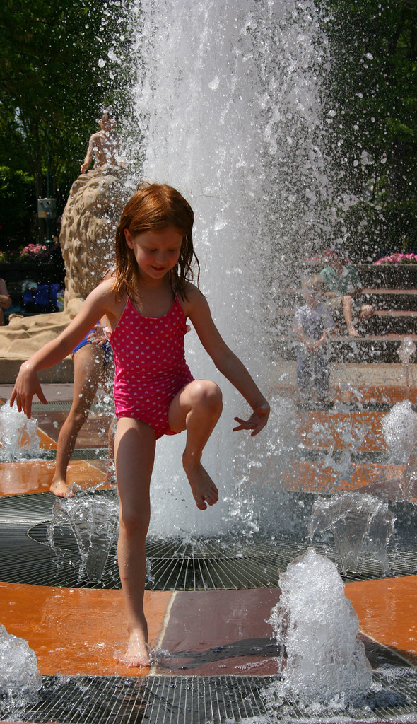 Little girl nude public — img 15