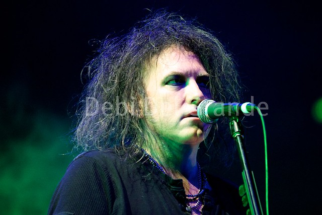 ROBERT SMITH of THE CURE (Reflections) at Sydney Opera House