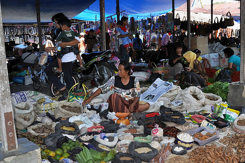 Bukit Lawang Market - Selling all kinds of stuff | by Drriss & Marrionn