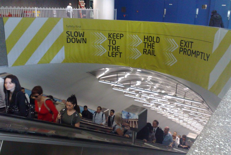 New escalator signage, Parliament Station