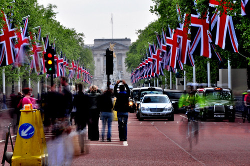 Buckingham Palace and The Mall | by andrewtijou