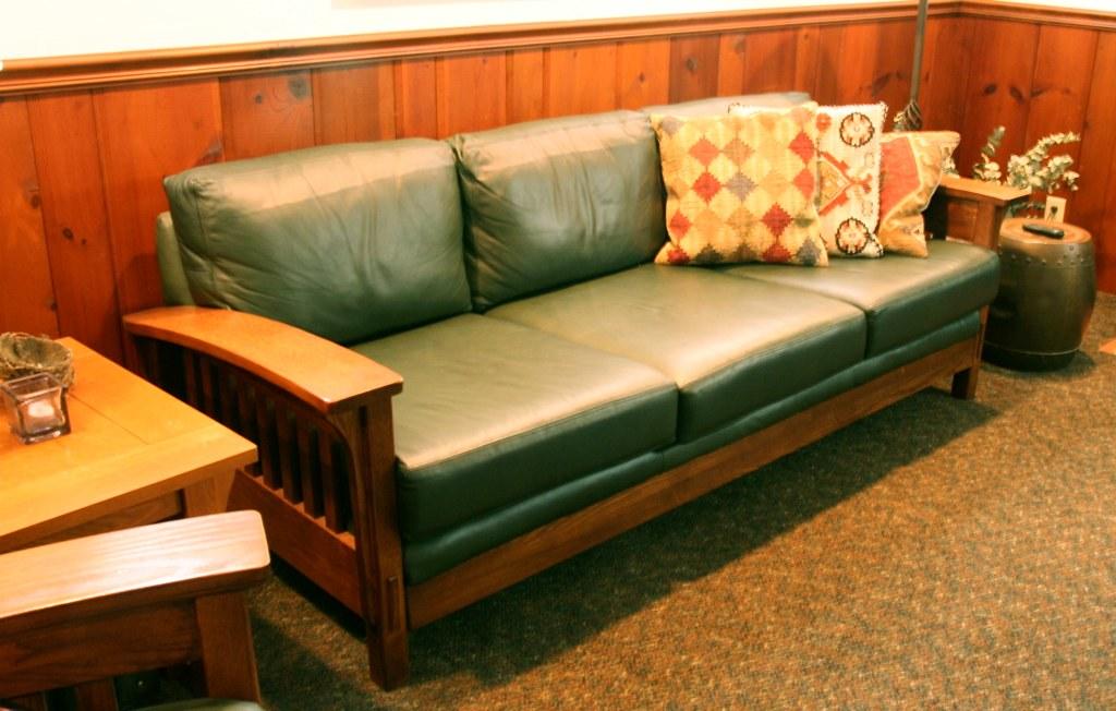 Strange Mission Style Green Leather Couch Moellen24 Flickr Uwap Interior Chair Design Uwaporg