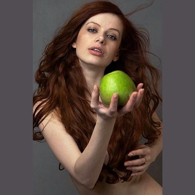 девушка модель ева