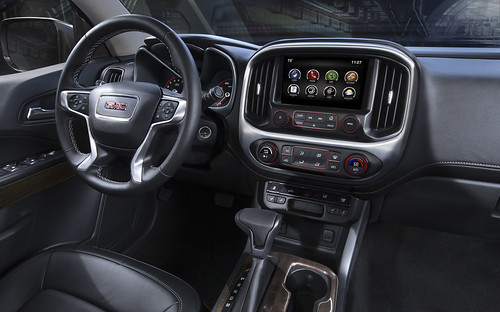 2015-GMC-Canyon-Interior-Detail-from-Passenger-Seat-016 | by rshadd