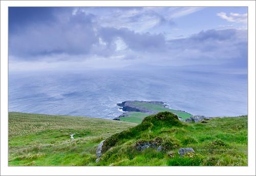 blue ireland sea seascape rock clouds zeiss sunrise landscape island waves angle wide kerry hour nd celtic ultra hitech munster chapeltown gradual gnd sonydsc 163528 sonydslra900 sal1635za 1635mmf28zassm kerrycovalentia 51°552733n10°204974w
