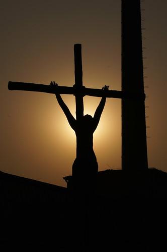 china sunset art silhouette statue christ cross jesus beijing 北京 中国 798 zone 剪影 雕塑 夕阳 雕像 耶稣 十字架 基督 侧影 艺术区 受难