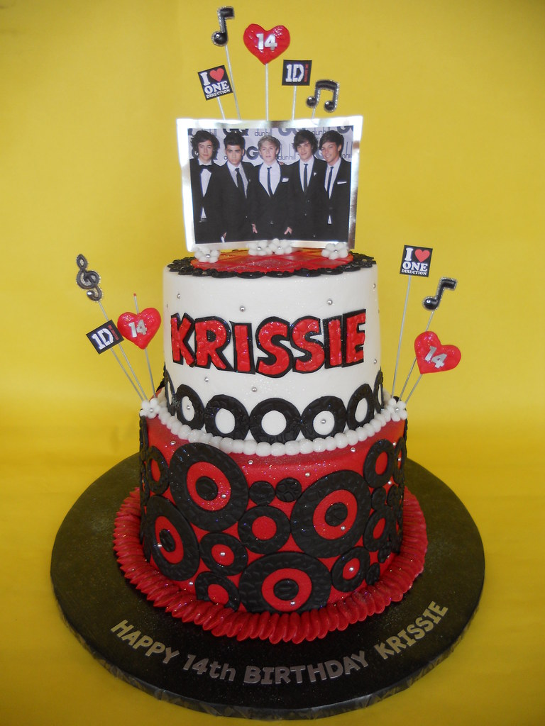 Astonishing One Direction Birthday Cake Amy Stella Flickr Personalised Birthday Cards Paralily Jamesorg