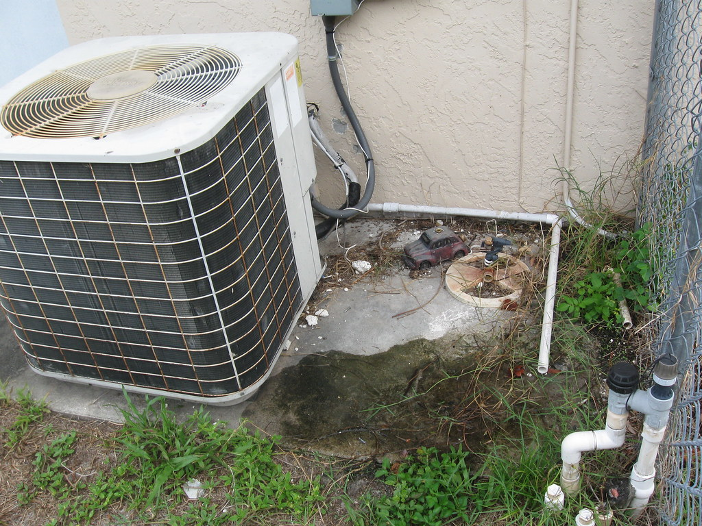 Ft Myers Air Conditioner Continuously Flowing Drain Pan