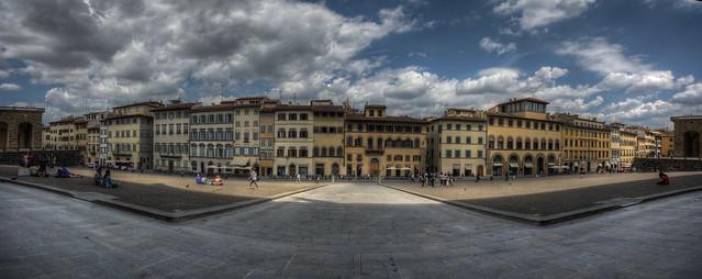 Firenze Piazza de' Pitti  (Pitti Square)